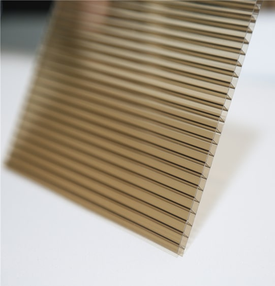 tấm nhựa polycarbonate solite